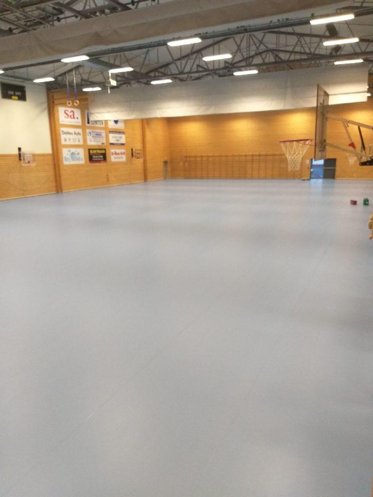 Sportsgulv montert i Grålumshallen, Sarpsborg.
